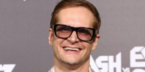 Bryan Fuller to Co Produce 2017 series